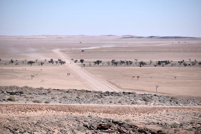 Viaggio in auto, una strada della Namibia.