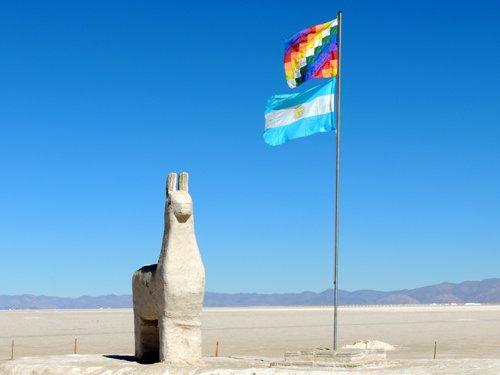 Una statua di sale a Salinas Grandes.